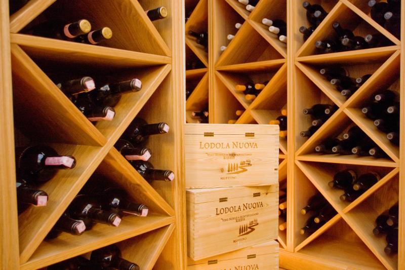 Eine große Auswahl an Rot- und Weißweinen