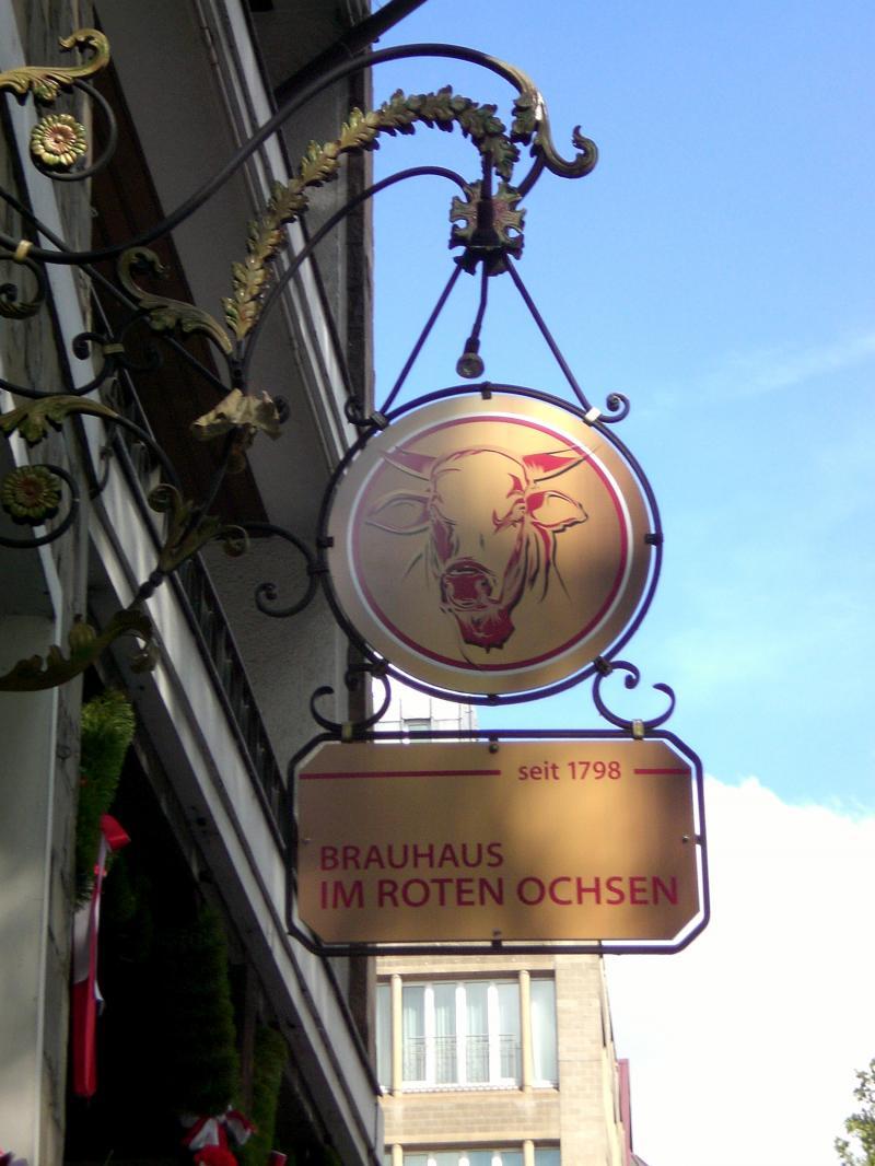 Schild vom roten Ochsen