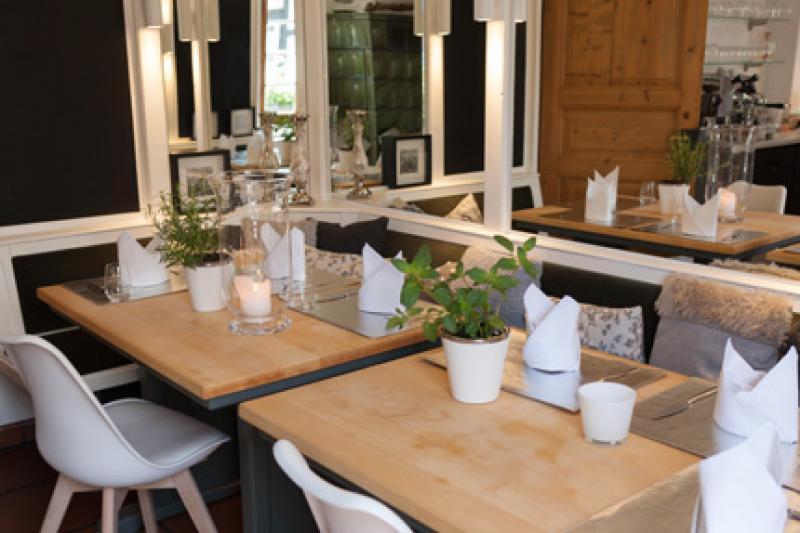 Unsere 2er Tische im Restaurant