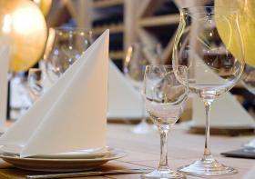 Elegant gedeckter Tisch