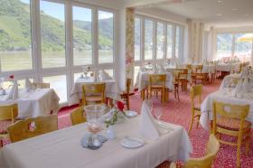Restaurant mit Ausblick auf den Rhein