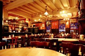 Restaurantsaal im Erdgeschoss