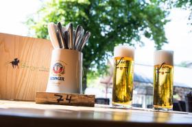 Ein frisch gezapftes Bier in unserem Biergarten
