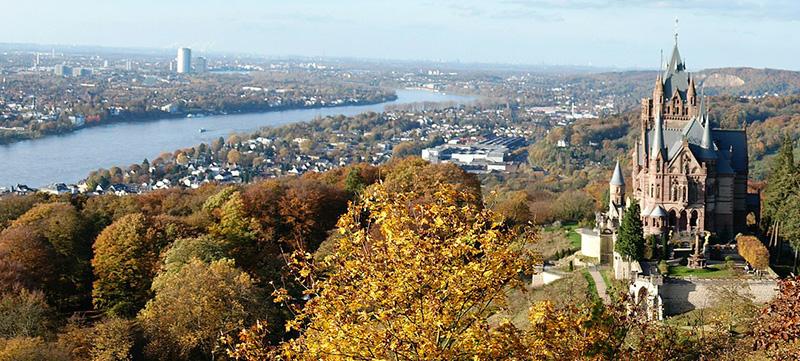 Bonn, Burg Drachenburg, Rhein, Panorama